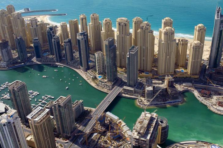 Building-Dubai-Emirati-Arabi-Uniti-485x728